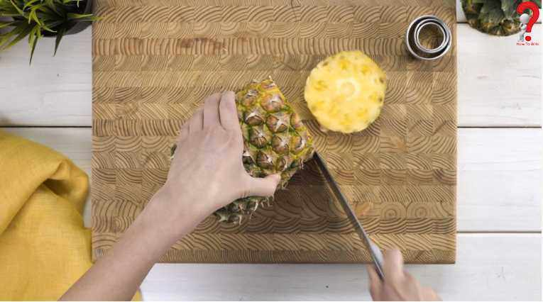 Steps To Cut Pineapple Into Rings